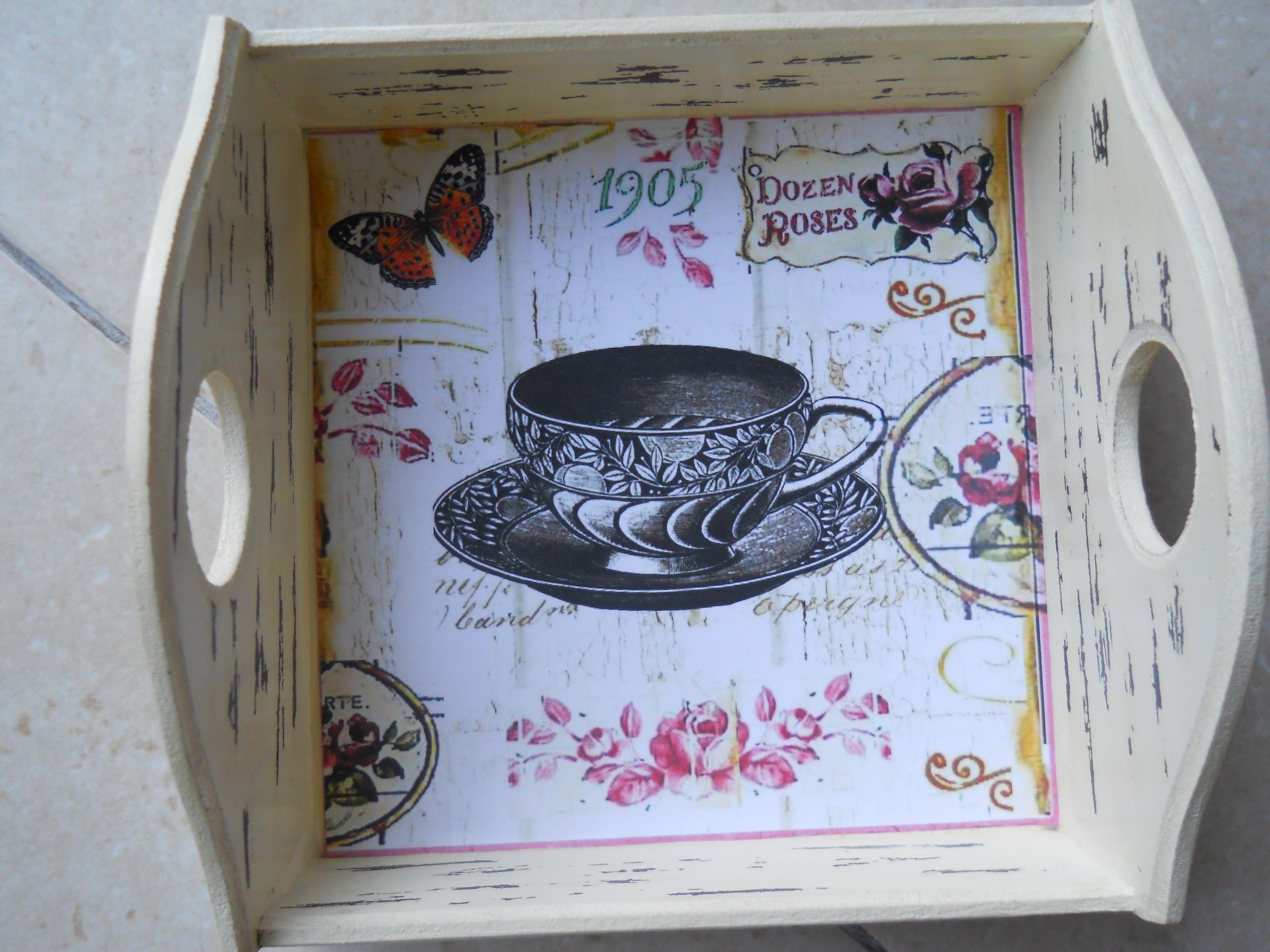 Bandeja vintage decapada 50 en for Bandejas de madera decoradas