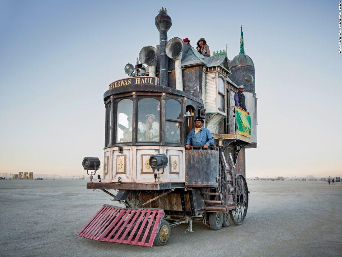 Burning Mans Mutant Vehicles Eat Dust And People Burning - Fantastic photos of burning man counter culture event taking place in the desert