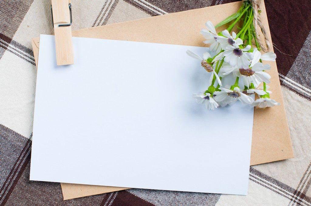 Весенними, открытка с цветами и ручкой