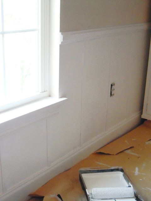 Where Chair Rail Meets The Untrimmed Windows In Dining Room Diy Wainscoting Faux Wainscoting Wainscoting Kitchen