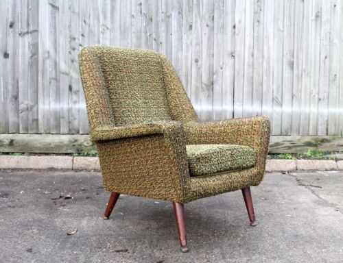 <> VINTAGE RETRO TEAK CHAIR