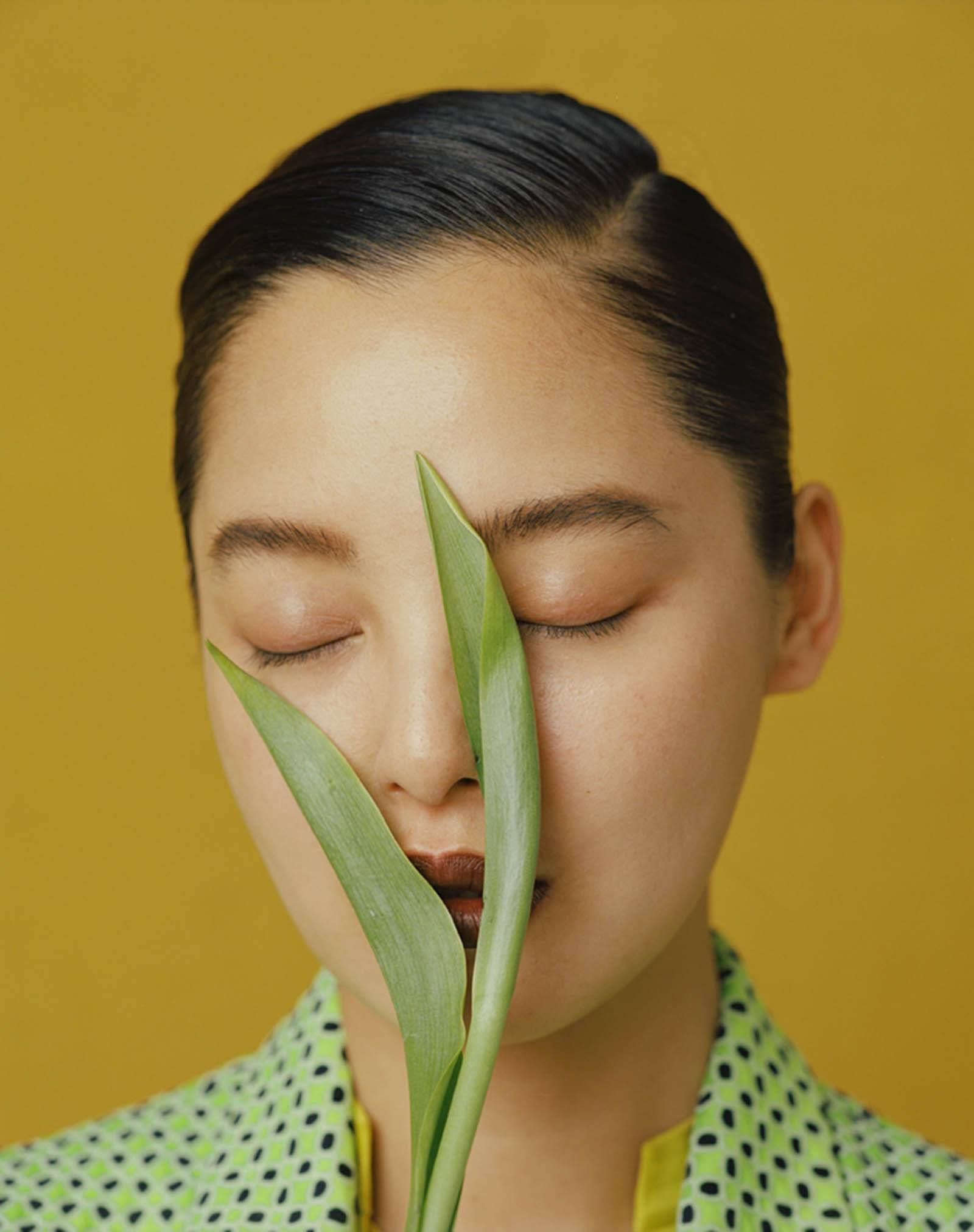 Leslie Zhangs Stylistic Portraits Of Chinese Beauty