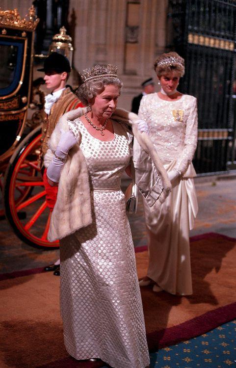 Queen Elizabeth Ii Princess Diana Princess Of Wales Princess