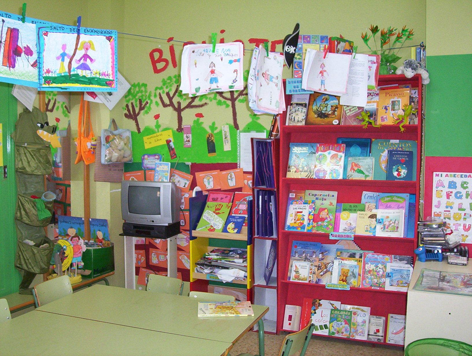 Juegos De Pintar Dinosaurios Que Vuelan Biblioteca De: Pin De Biblioteca San En Biblioteca Infantil