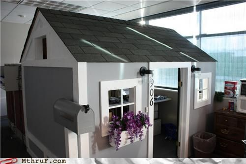Turn your cubicle into a home away from home check out some more funny cubicle houses http - An office turned into a home ...