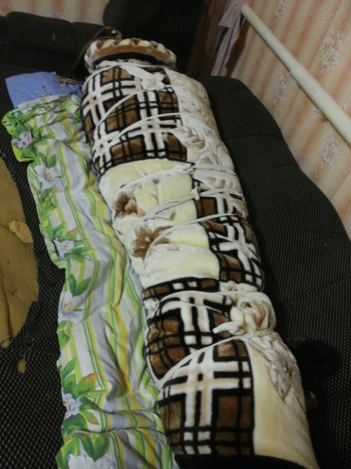 Pin von Tom Blanket auf tied up in blankets | Wolldecke