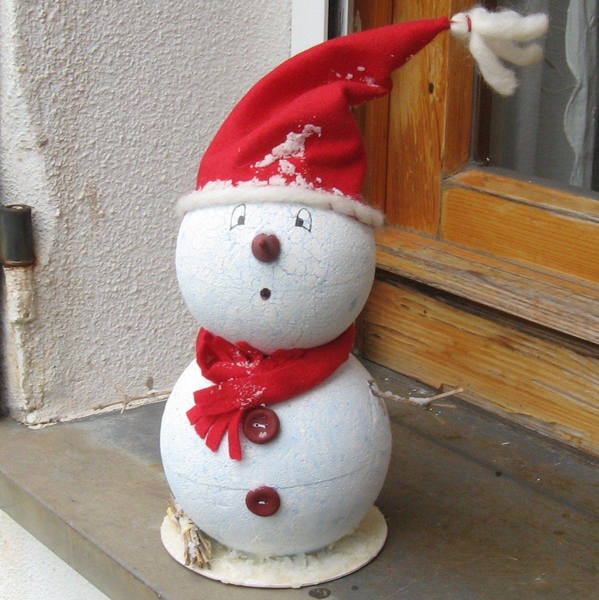 Lavoretti Di Natale Con Palline Di Polistirolo.Pupazzo Di Neve Palline Di Polistirolo E Feltro Bozic
