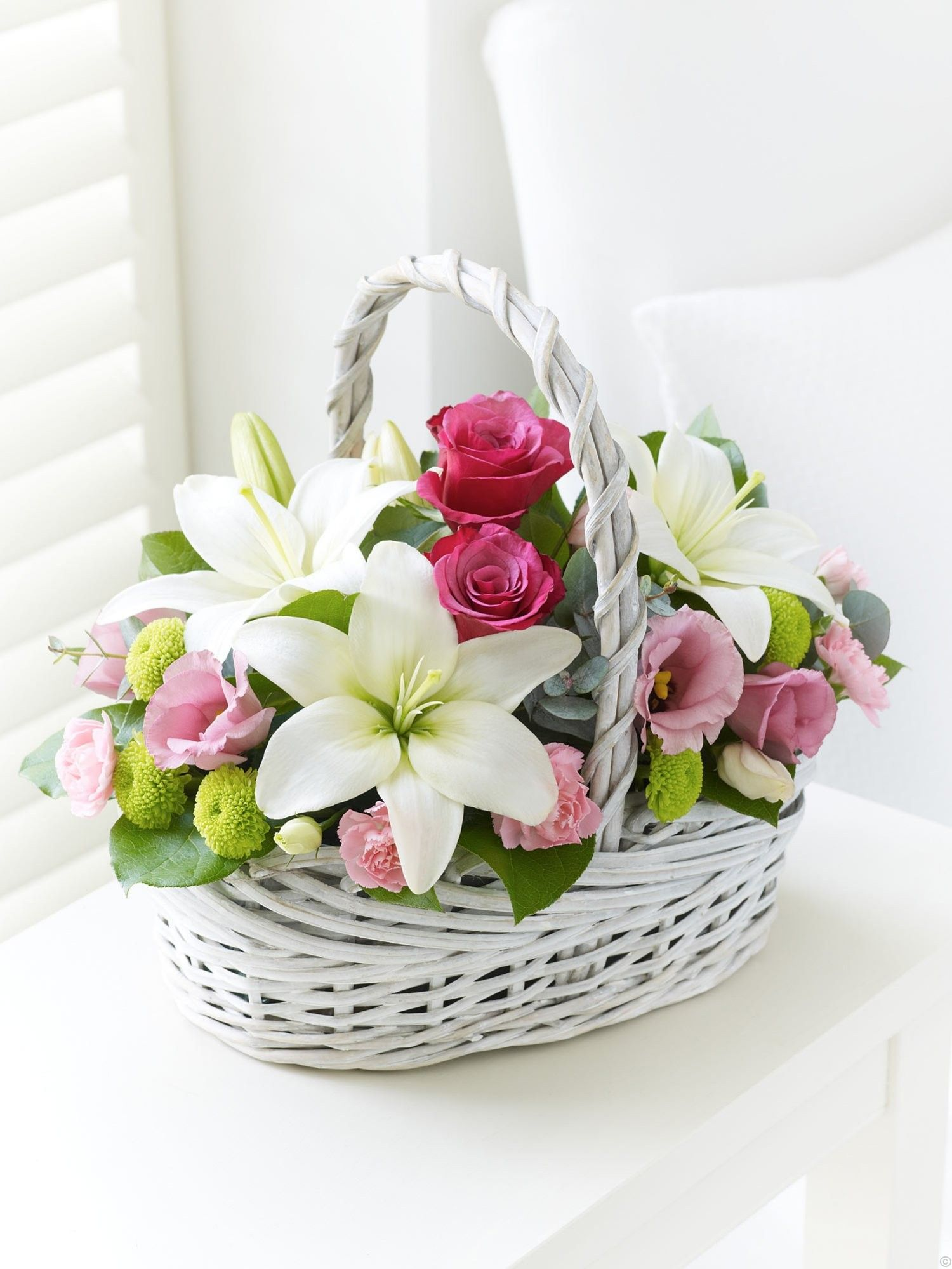 Basket flower arrangements, Pink flower