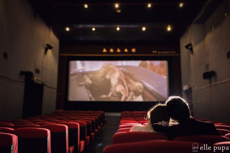 映画館で前撮りロケーション撮影 映画館 ロケーション 撮影