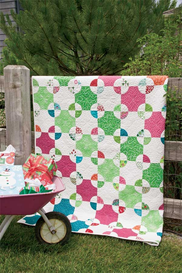 Mill Wheel styled 600px Friday Freebie: Mill Wheel Lap Quilt ... : patterns for lap quilts - Adamdwight.com