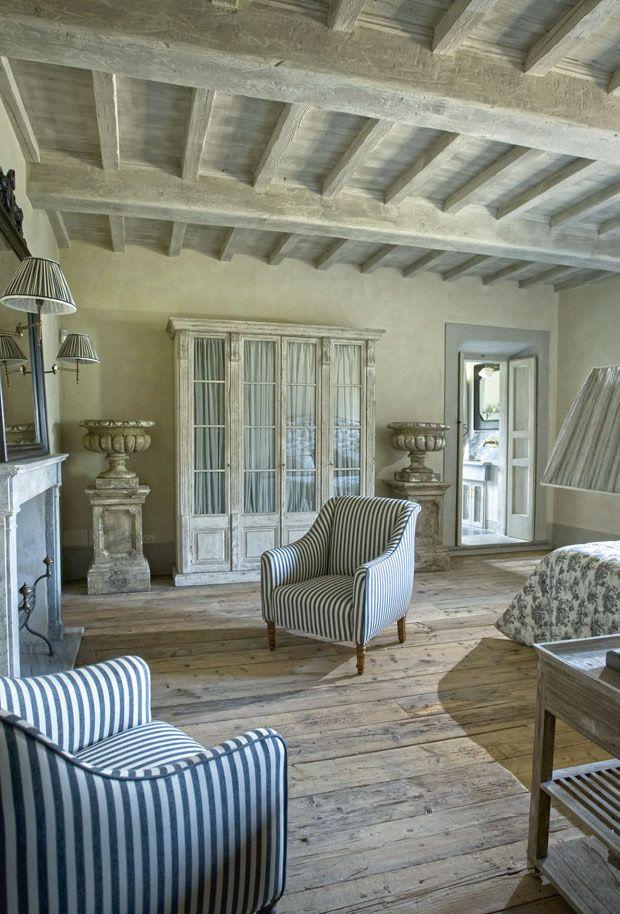 Casa provenzale in italia l 39 arredamento curato da for Case stile inglese interni