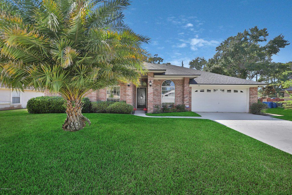 Home For Sale At 11424 Secretariat Ln W Jacksonville Fl 32218