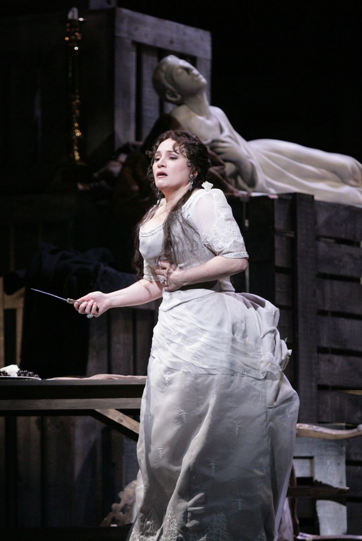 Houston grand opera performs puccinis incredible