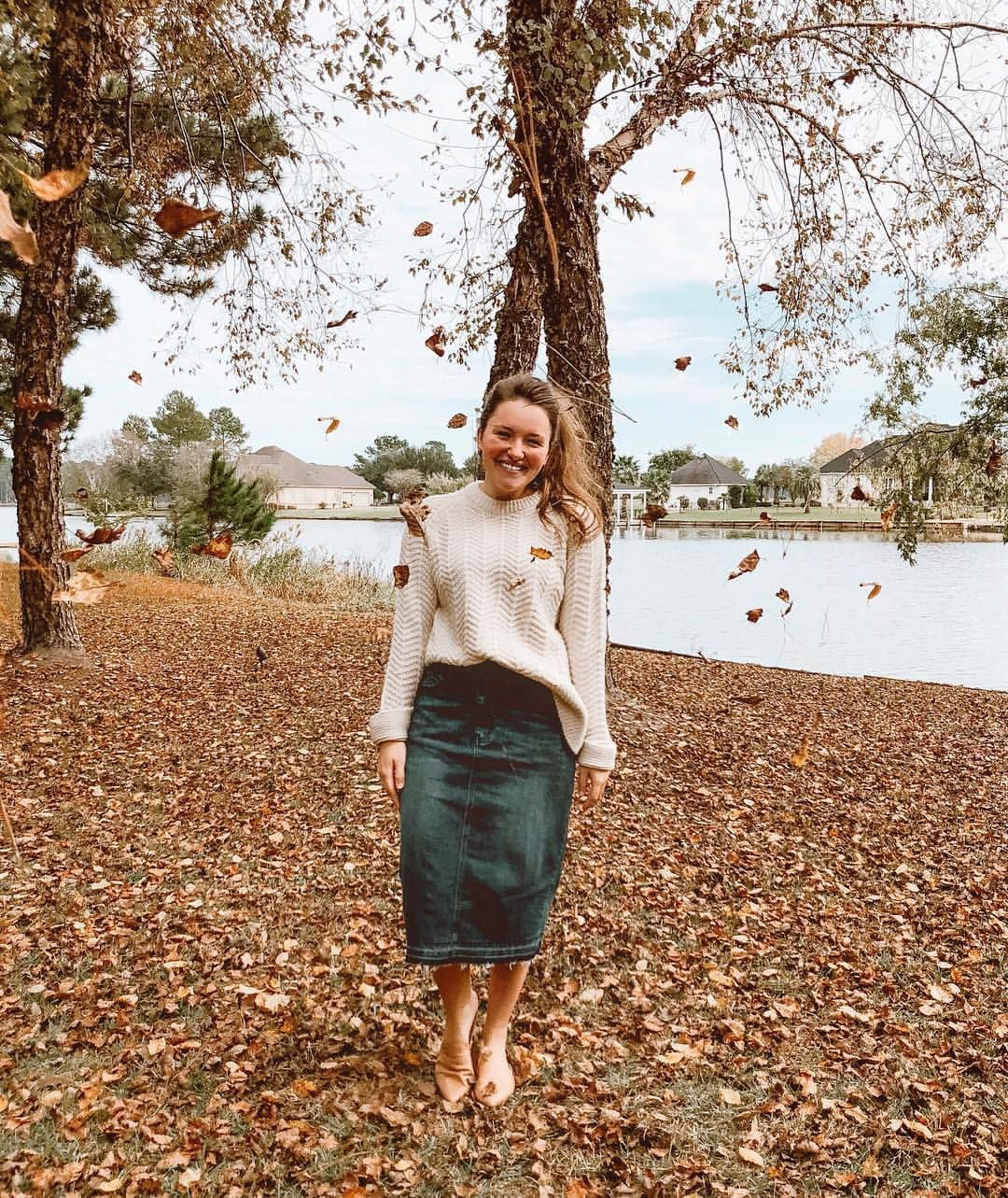 """8050c5cf5fa Courtney Toliver Guthrie on Instagram  """"I finally got a basic fall leaf  picture!! 🍁😆 If you have been looking for the perfect dark denim skirt"""