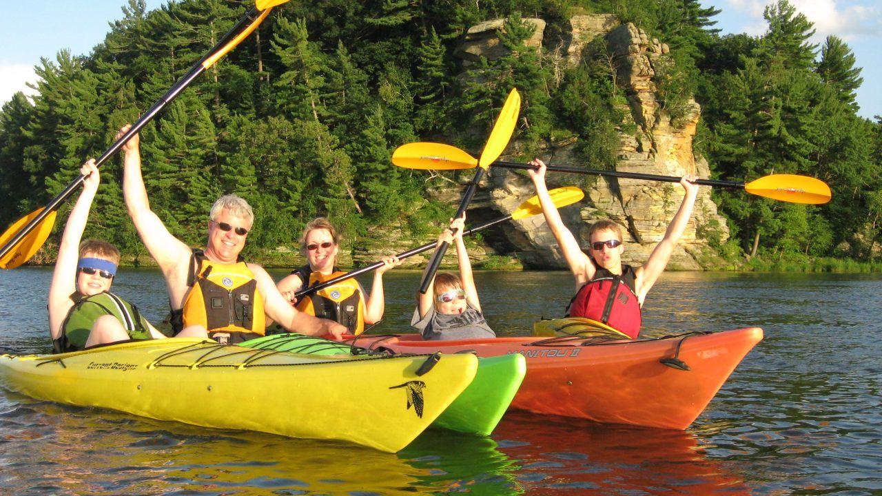 Kayak wisconsin dells wisconsin dells kayaking paddle