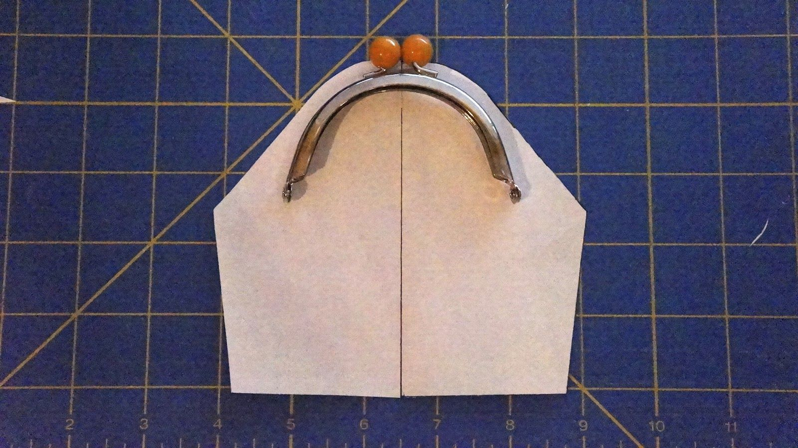 How to draw a pattern for any metal frame coin purse