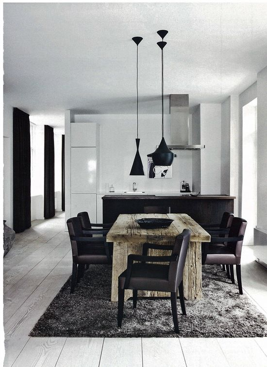 Beautiful black and white kitchen Contemporain et chaleureux à la