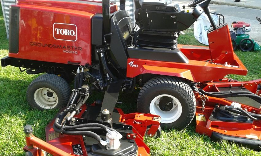 Tractor Tuns Gazon Profesional Toro Groundsmaster Lawn Equipment Tractors Outdoor Power Equipment