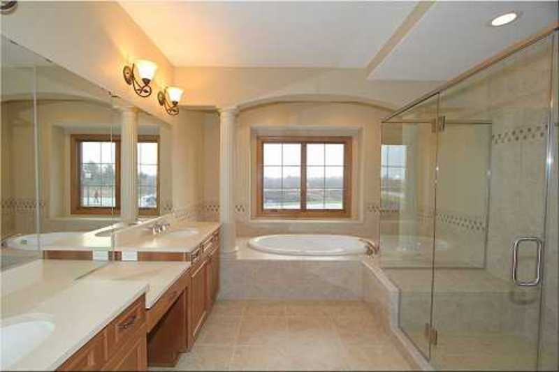 This bathroom is bigger than my bedroom!! The shower, the tub, the counterspace, oh my!