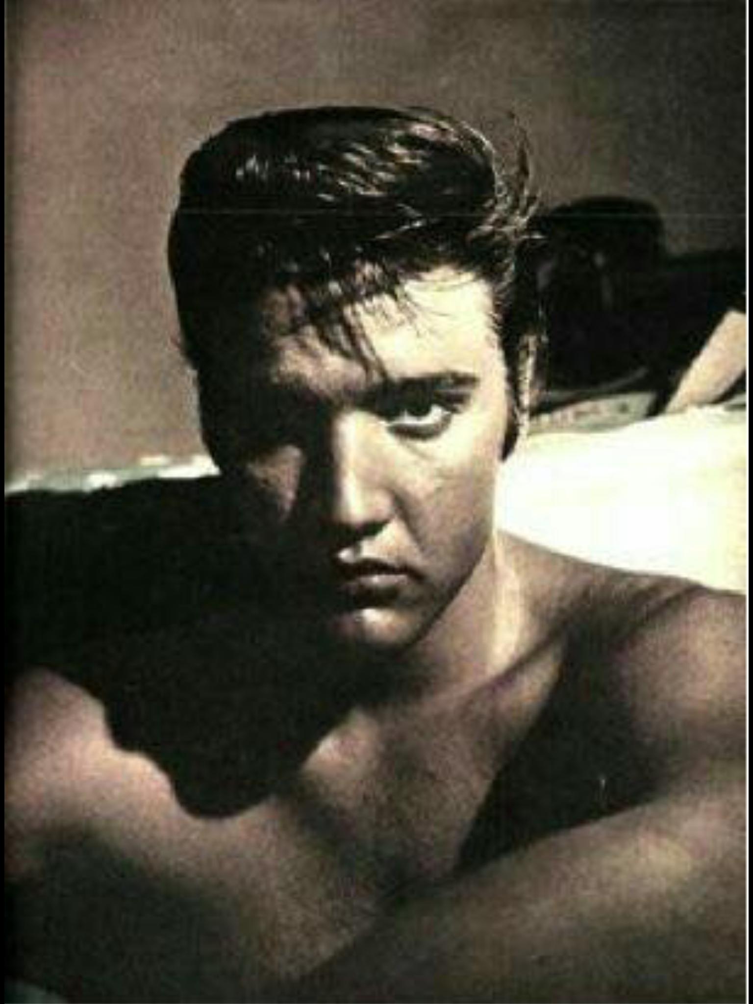 Elvis. Shoot Peabody Hotel Late 1950'
