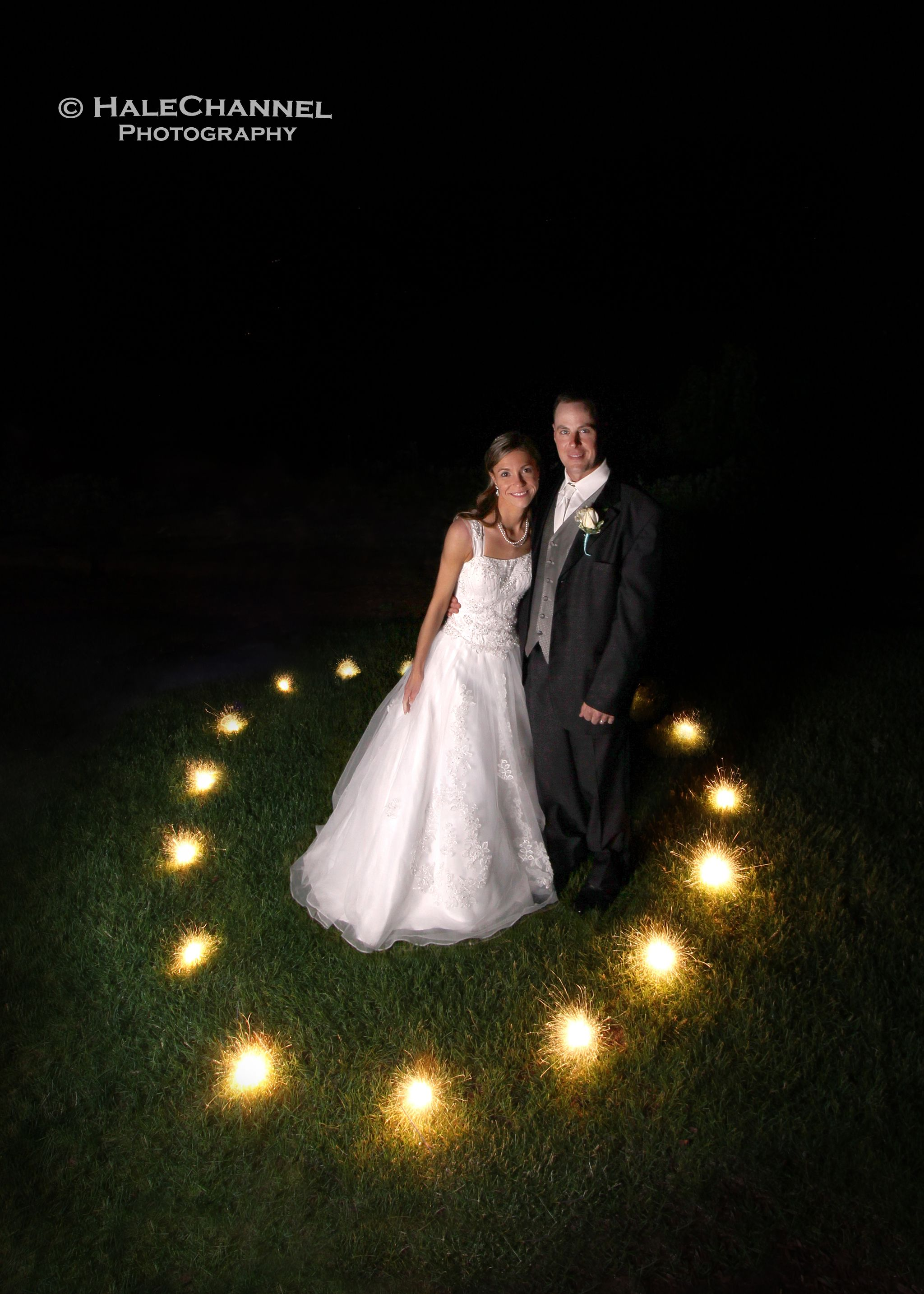 Wedding Sparklers Fun Sparkler Photos Weddings Bridal Bride Groom Poses Pose Night New Cool Popular