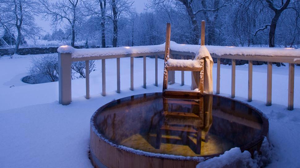 Immagine di https://cdn.kiwicollection.com/media/property/PR005164/xl/005164-03-hot-tub-snow.jpg.