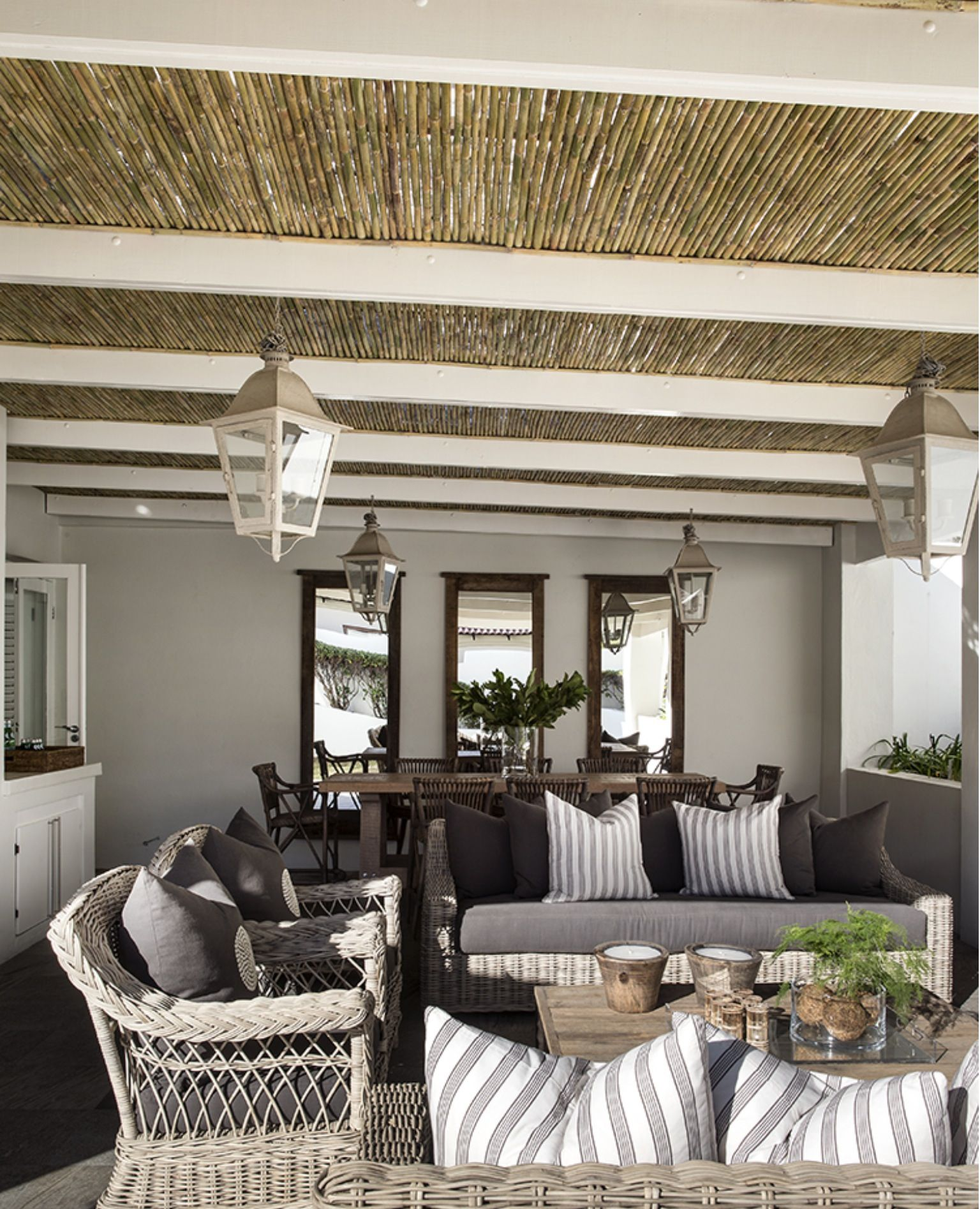 Yvonne 'brien Int - Bamboo Ceiling Outdoor Spaces