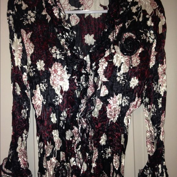 Gorgeous glitzy glam blouse! Crinkle fabric with beads and blooms! Dress Barn Tops Blouses