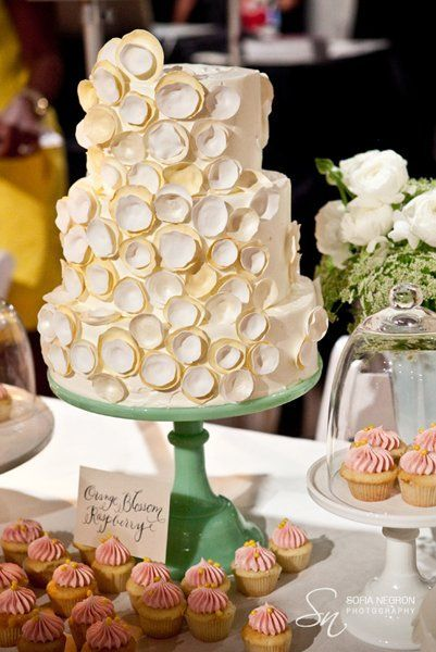 Shabby Chic Ivory Garden Round Summer Wedding Cakes Photos & Pictures - WeddingWire.com