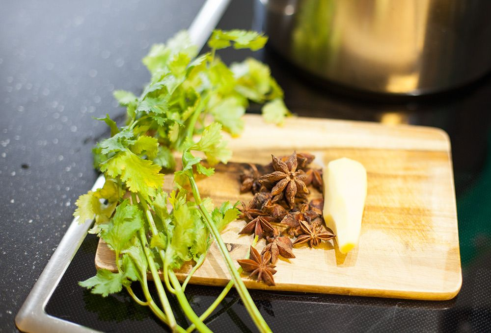 Kochen für 12 Personen: Ein Ausschnitt der vietnamesische Küche ...