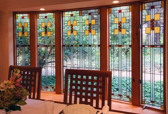 Capture Craftsman Style In Your Home Frank Lloyd Wright Stained Glass Craftsman Style Decor Glass Design