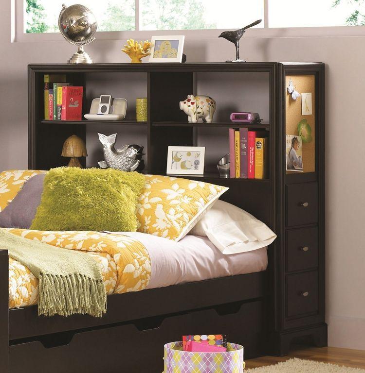 lit avec rangement petit espace chevet suspendu t te de. Black Bedroom Furniture Sets. Home Design Ideas