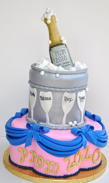 Prom Cake 2010 Cake Graduation Cakes Cake Decorating