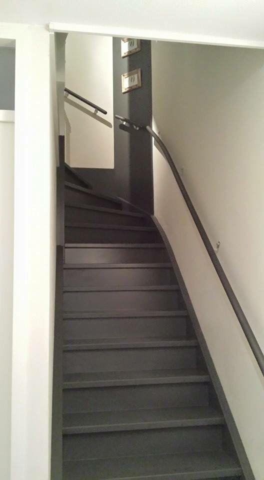 Trap geschilderd trap pinterest trappen gangen en entree - Balken grijs geschilderd ...