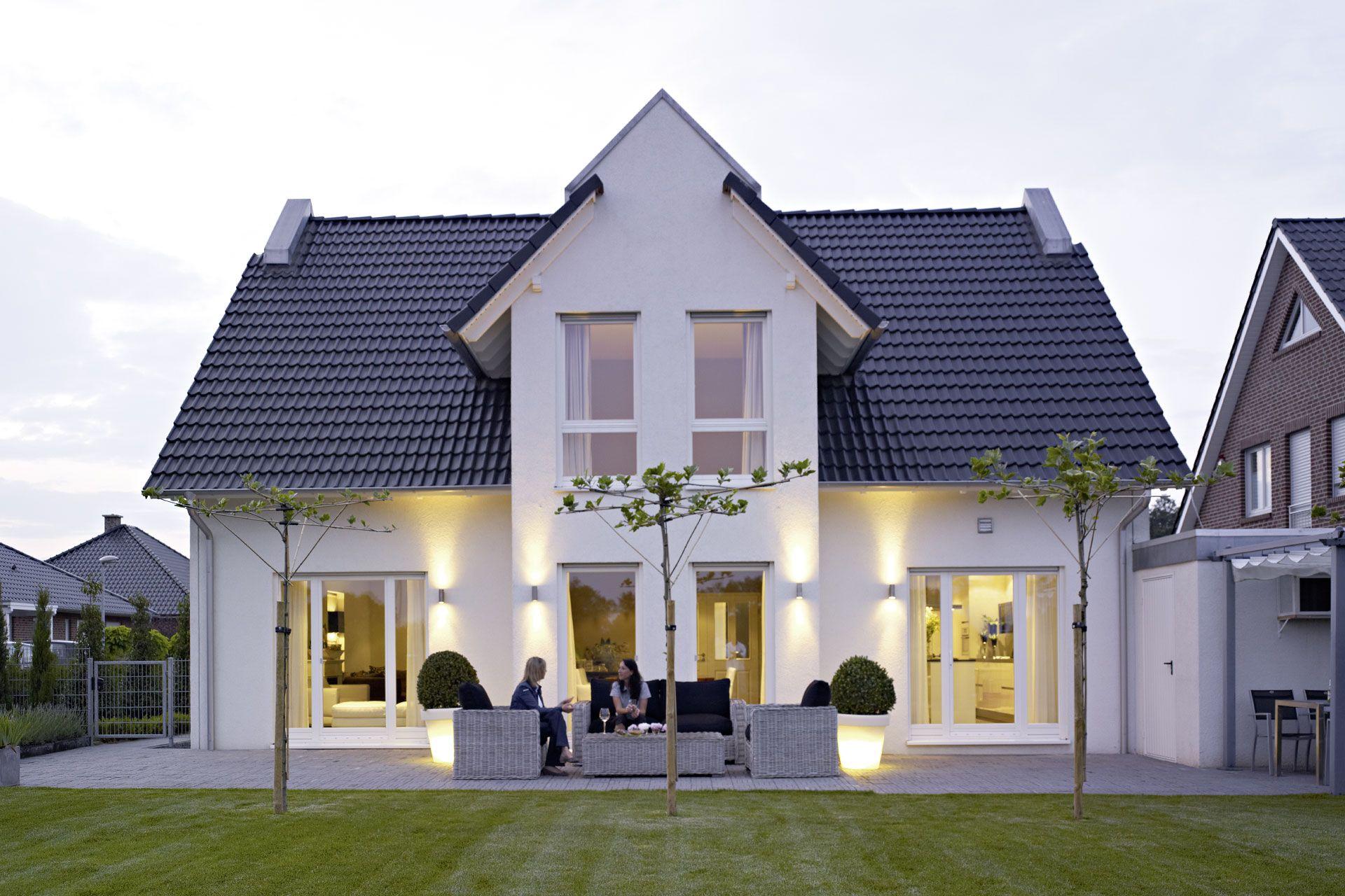 FertighausEinfamilienhaus Hochfeld DreiGiebelHaus