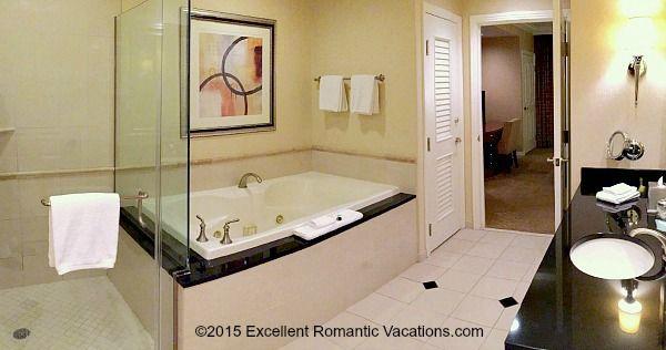 Las Vegas Jacuzzi Suite Signature At Mgm Grand Las Vegas Vacation Vegas Vacation Vegas Getaway