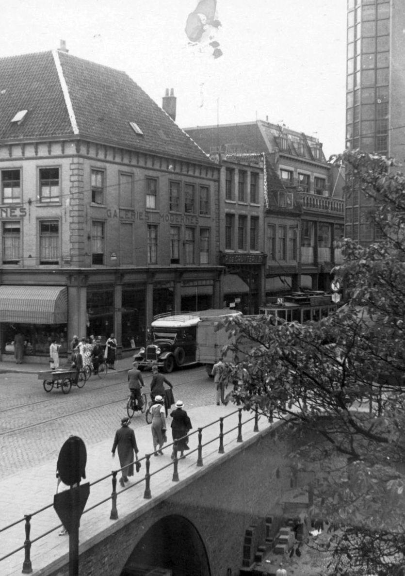 Lange Viestraat Links Galeries Modernes Na Brand In 1939