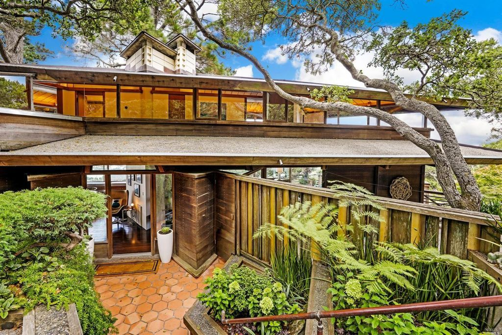 250 Currey Ln Sausalito Ca 94965 Zillow Shipping Container
