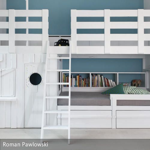 Kreativität braucht Klarheit. Die Offenheit der weißen Einbauten lässt Raum für eine kreative Einrichtung - so kann die vierköpfige Familie sich darin mit …