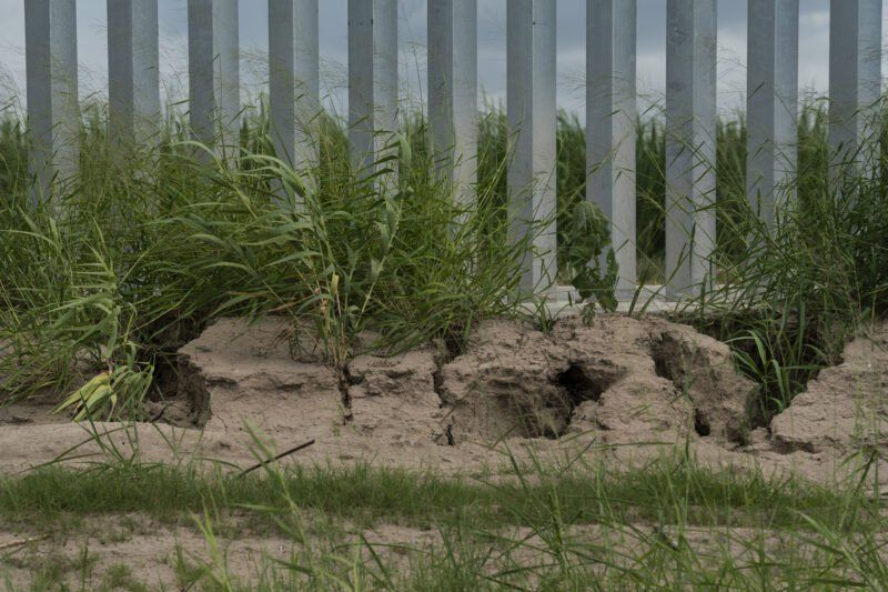 He Built A Privately Funded Border Wall It S Already At Risk Of Falling Down If Not Fixed Propublica In 2020 Border Sunland Park Wall Systems