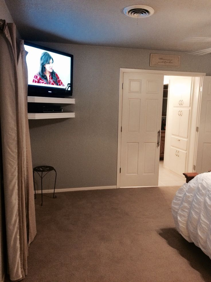Tv In Small Bedroom : small, bedroom, Valerie, Reese, Decorating, Ideas, Bedroom, Wall,, Mounted, Bedroom,, Corner