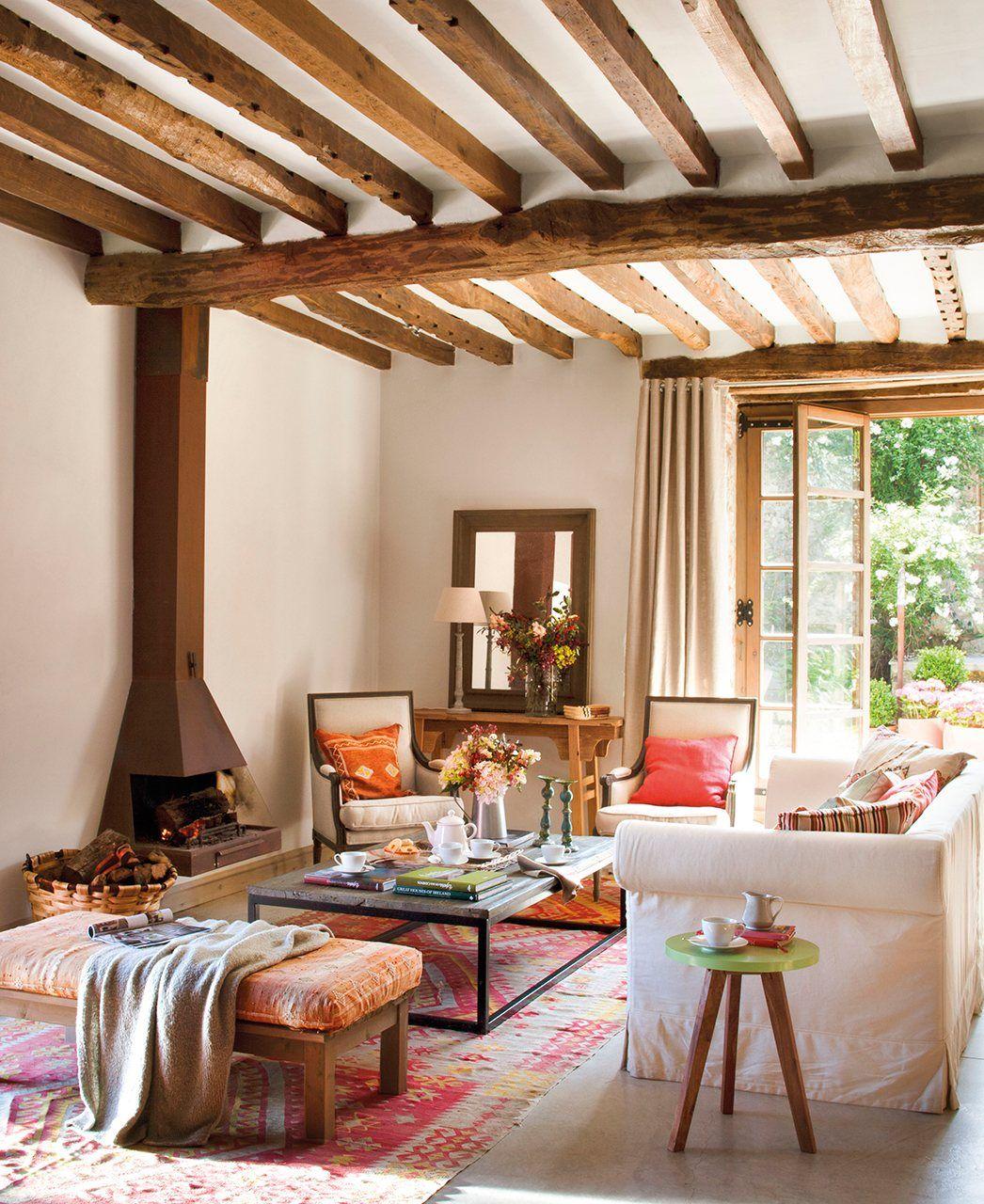 12 salones llenos de ideas home sweet home vigas en el - Chimeneas para salon ...