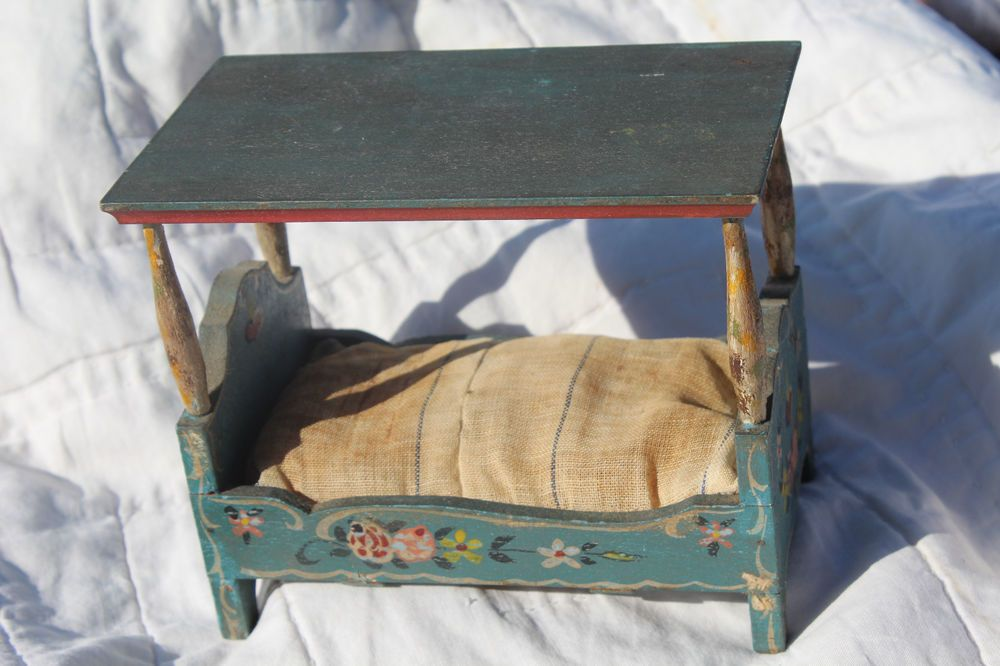 Early ANTIQUE MINIATURE DOLLHOUSE CANOPY BED Dora Kuhn GERMANY All Orig Paint! & Details about Early ANTIQUE MINIATURE DOLLHOUSE CANOPY BED Dora ...