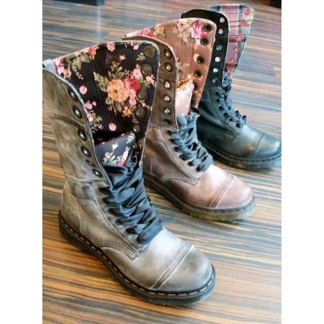 i rock these killer dr martens every day when its foggy. Black Bedroom Furniture Sets. Home Design Ideas
