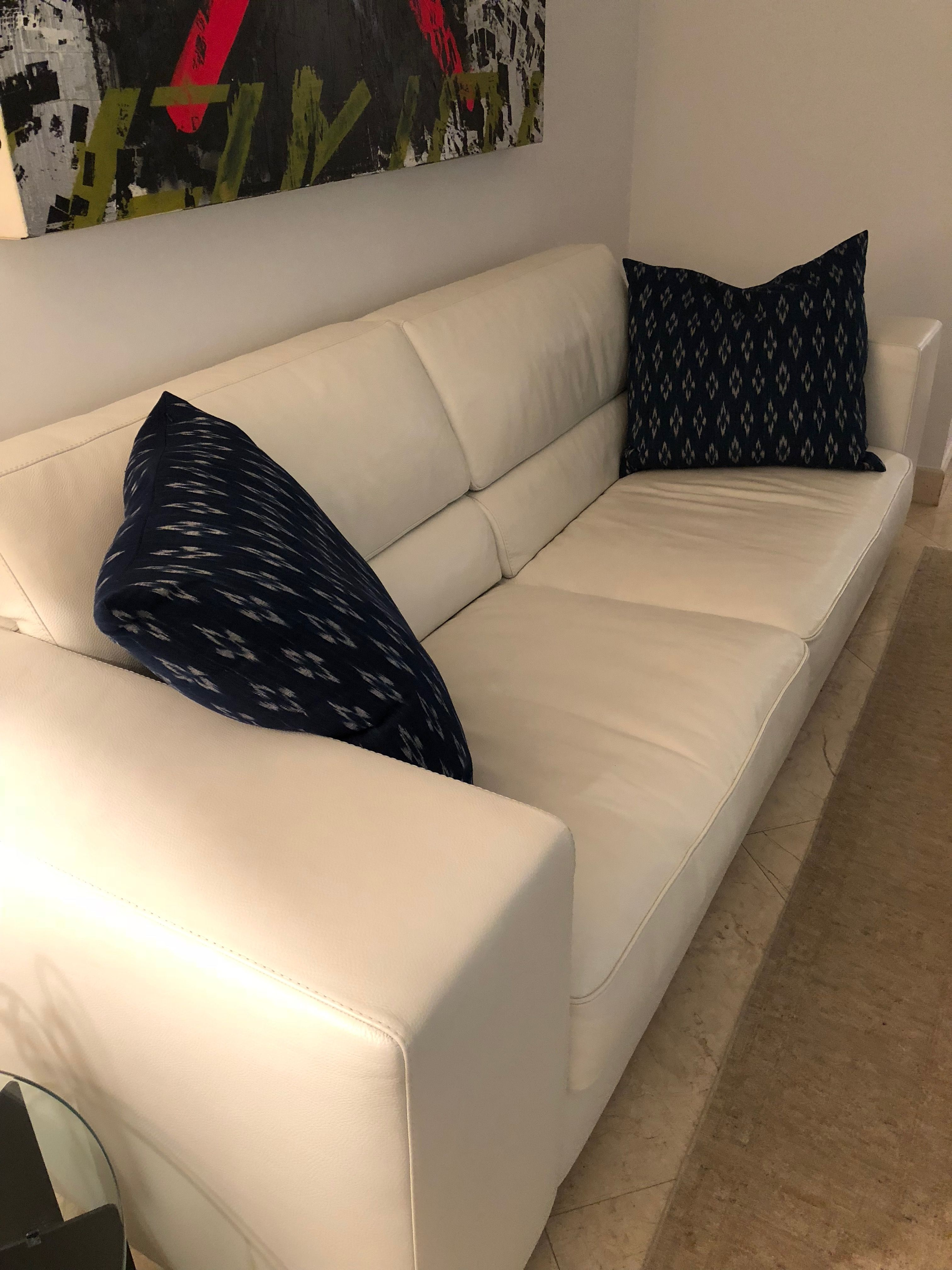 Animus Dominus White Leather Sofa Very Light Use Very Light Wear Original Price 5 500 Floor Mo Living Room Design Decor Floor Cushions White Leather Sofas