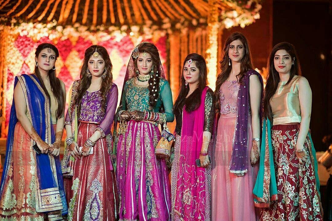 Mehndi Party Saree : Pin by zainab tanveer on fine art and umarish weddings photography