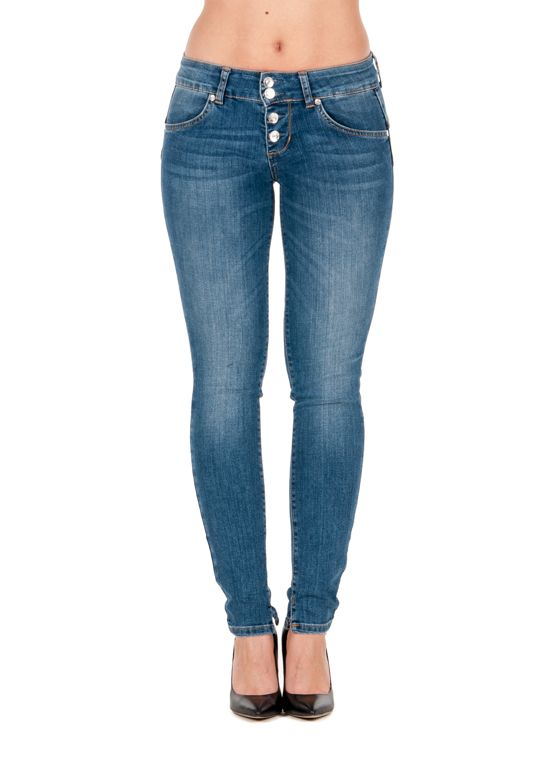Liu Jo Jeans Bottom Up River farkut, blue sapphire wash 139,00 € www.fashionstore.fi