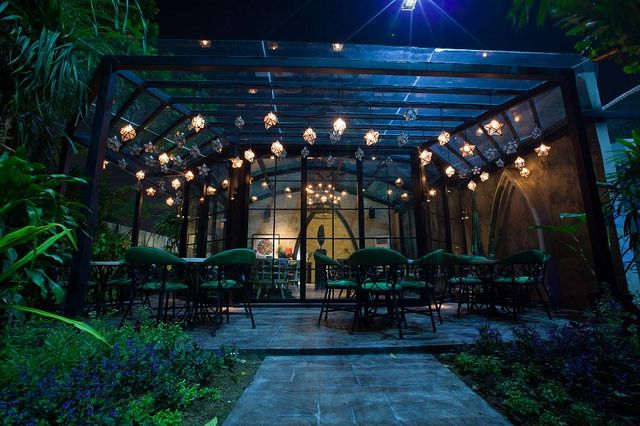 8 mind-boggling themed restaurants you didn't know existed in Bali - Gardin Bistro Location : Jl. Petitenget no.106 – Seminyak Contact: +62 361 8499799