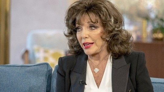 Dame Joan Collins 60 Years Of The Casting Couch Dame Joan Collins Joan Collins Joan