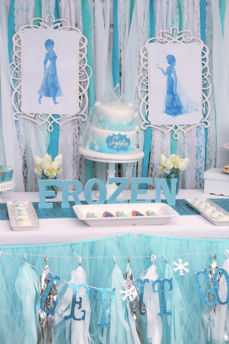 sweetly chic events design frozen party table Frozen Party Ideas